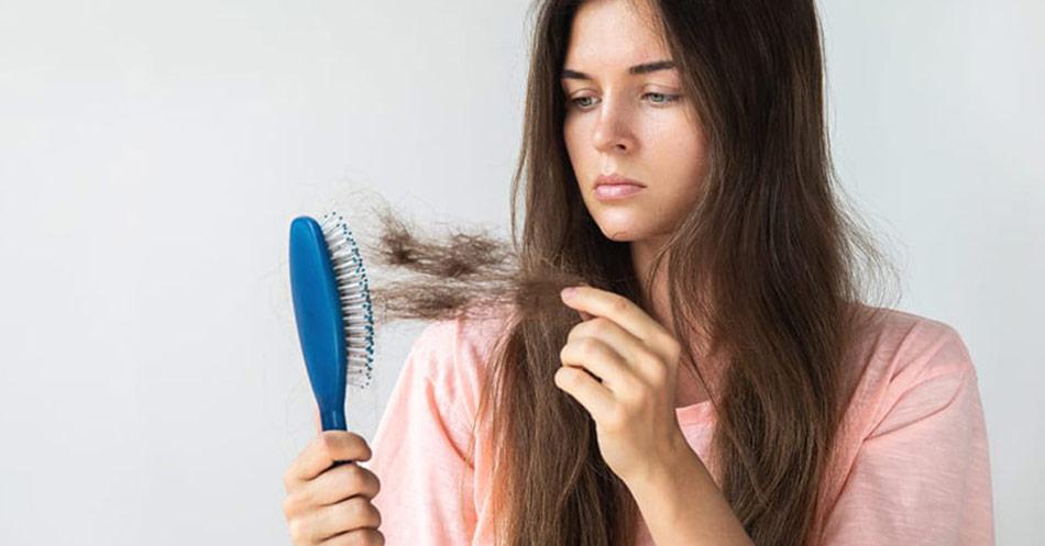 Vitaminmangel kan komme til udtryk ved hårtab. Så sørg for at få fyldt dine vitamindepoter med de rigtige vitaminer.